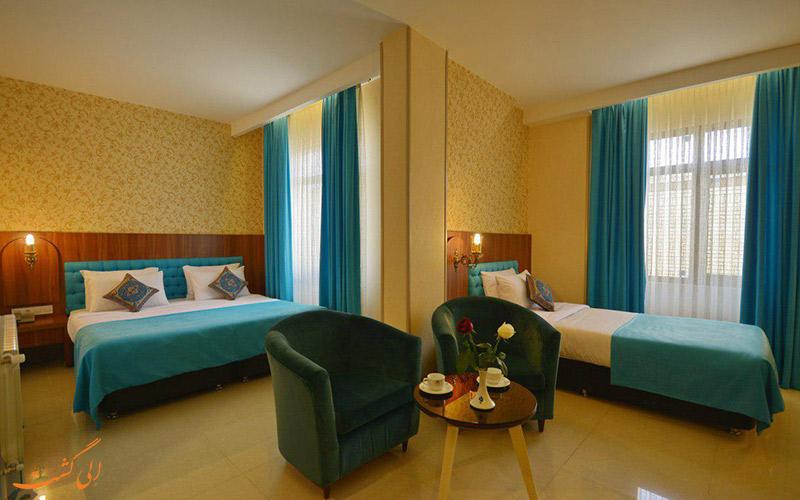 اتاق 2 تخته ی هتل ارگ شیراز
