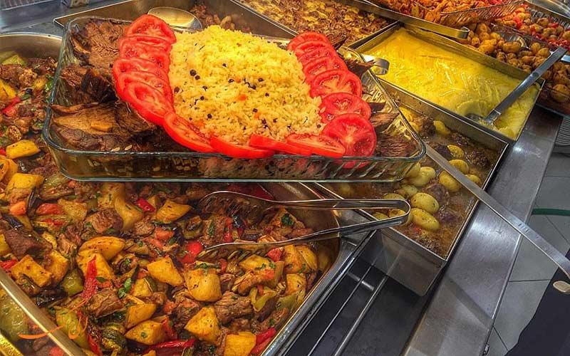 رستوران حلال Red Chilies در باتومی