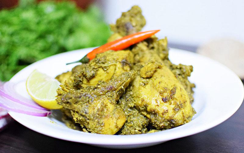 مرغ کافریل با ادویه های سبز