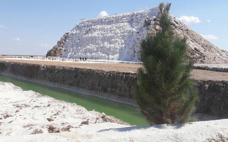 نمایی از آبشار نمکی پتاس
