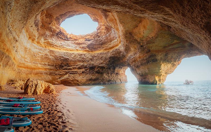 سفر به ۲۶ غار حیرت انگیز در جهان